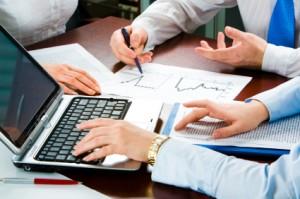 Regelmäßige Auswertungen der besten Firmenkonten